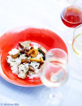 risotto aux champignons des bois pour 6 personnes recettes elle table. Black Bedroom Furniture Sets. Home Design Ideas