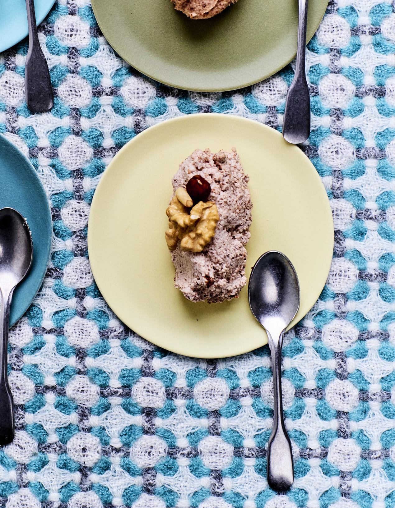 beurre vegan de noisette noix et pignons la cannelle. Black Bedroom Furniture Sets. Home Design Ideas