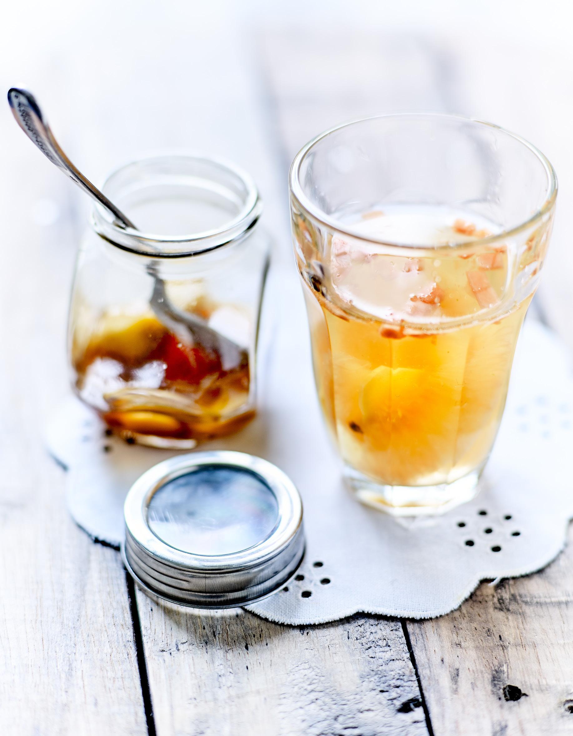 sirop de gingembre l huile essentielle de poivre pour 1 personne recettes elle table. Black Bedroom Furniture Sets. Home Design Ideas