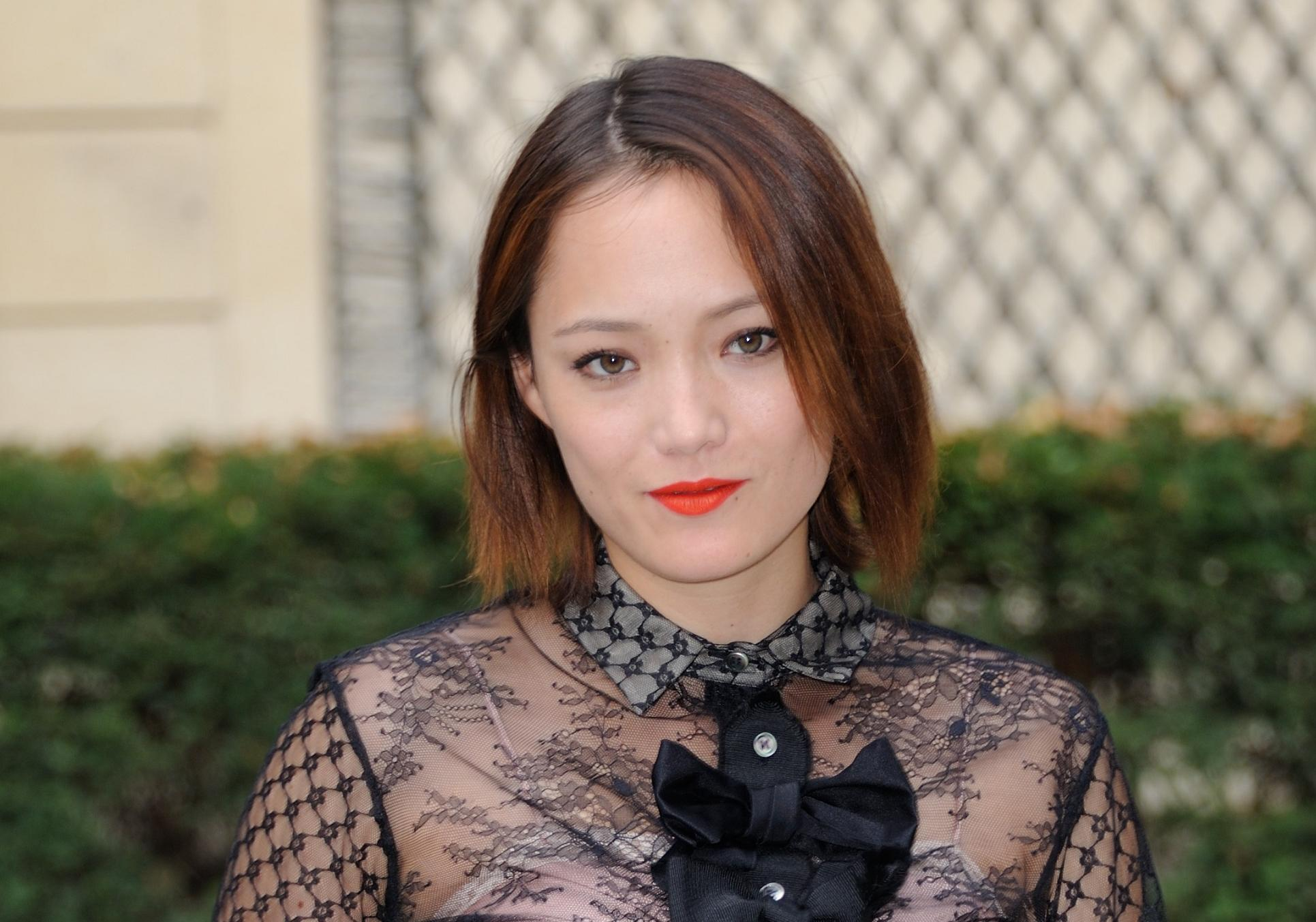 pom klementieff une actrice fran aise l affiche des gardiens de la galaxie 2 elle. Black Bedroom Furniture Sets. Home Design Ideas