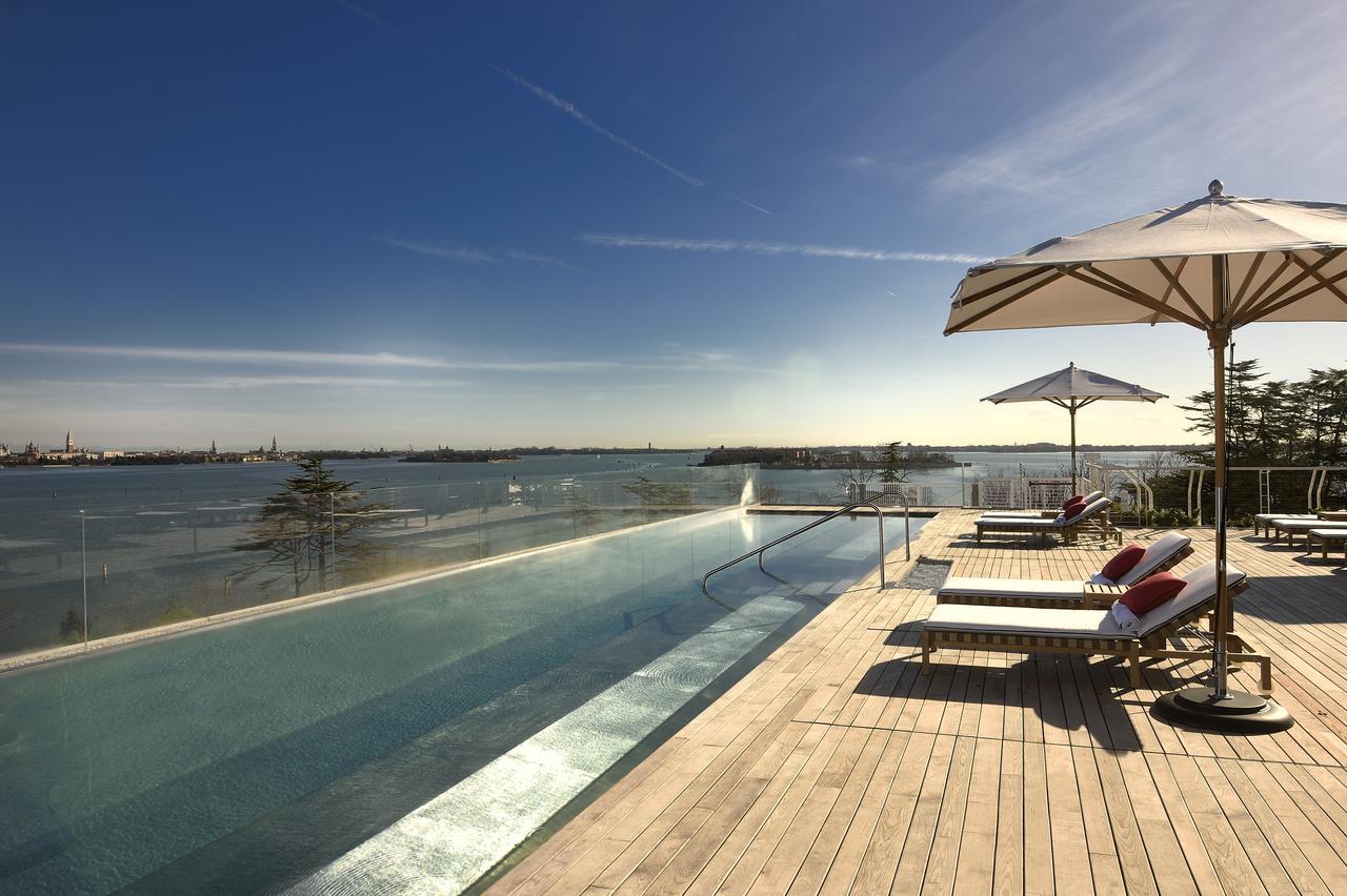 A venise le jw marriott venice resort spa for Hotel venise piscine interieure