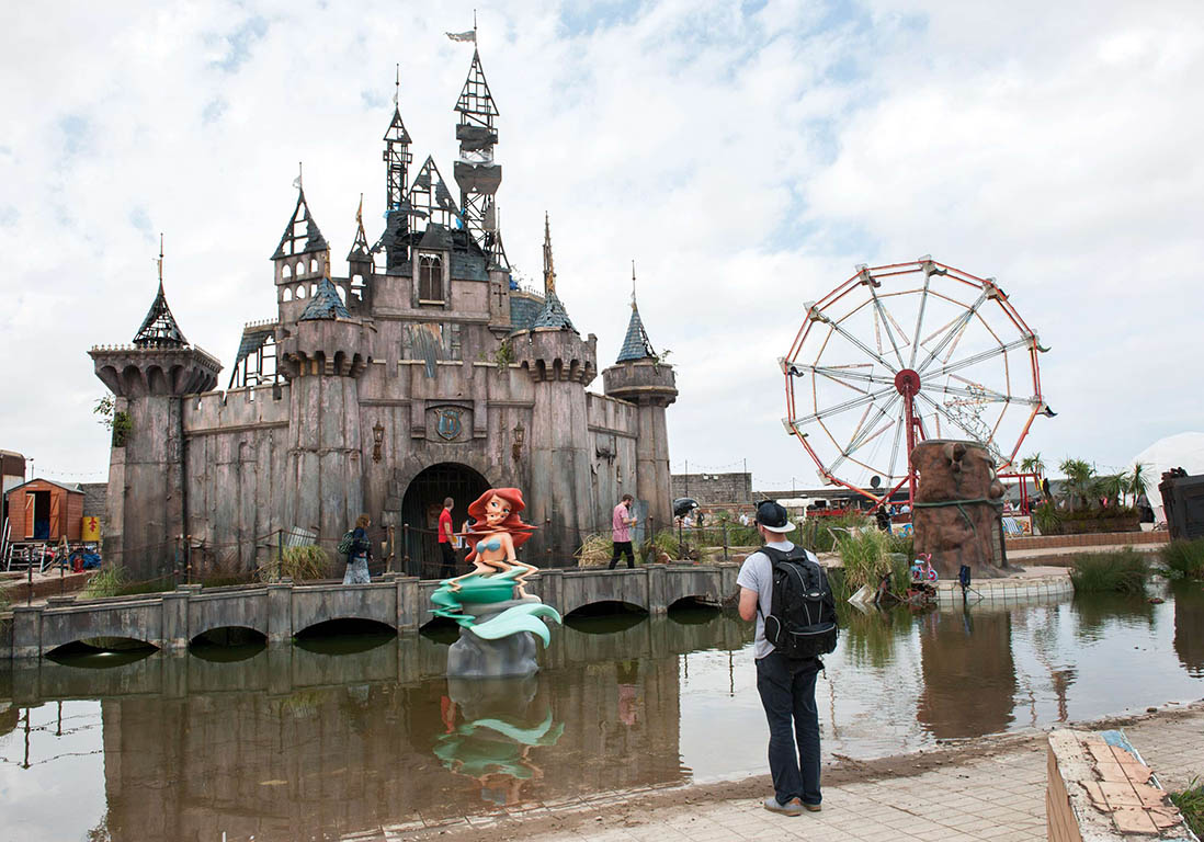 Le ch teau de princesse dismaland le parc d attraction for Image chateau princesse