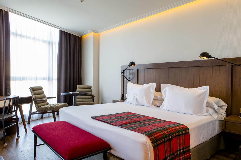 Une belle chambre d h tel madrid les plus belles for Les plus belles suites parentales