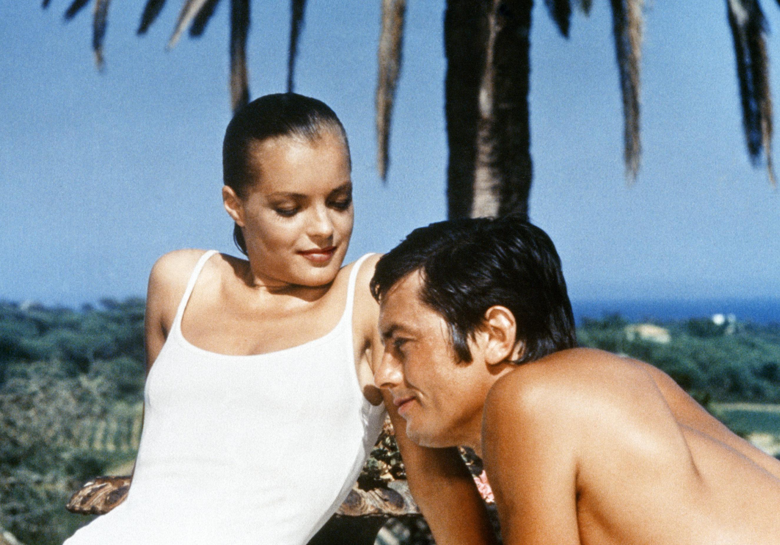 Notre film culte du dimanche la piscine de jacques deray 1969 elle - Maison du film la piscine ...