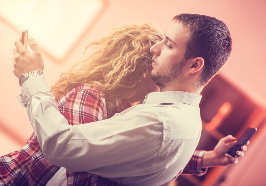 UNE RELATION EXTRACONJUGALE POUR SAUVER SON COUPLE ?