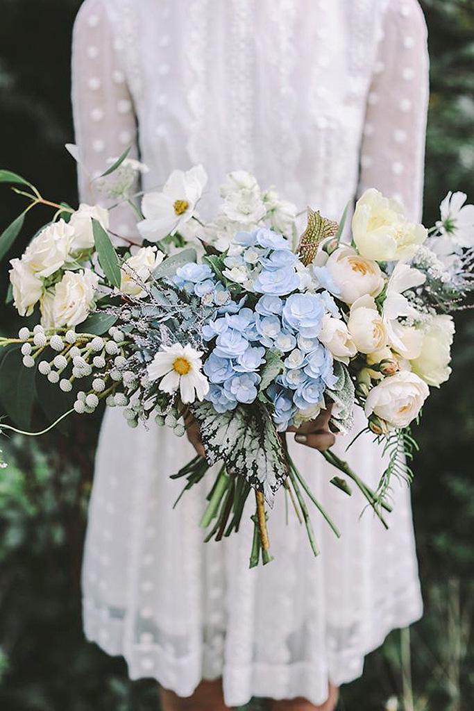 Bouquet de fleurs blanches et bleues 25 bouquets de for Site de fleurs