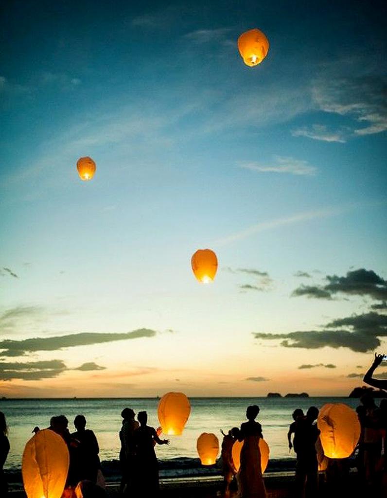 Lanterne volante les plus jolies lanternes volantes pour une soir e po tiqu - Fabriquer des lanternes volantes ...