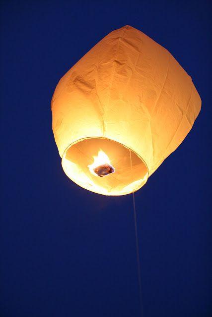Lanterne volante papier les lanternes volantes l animation po tique d une - Construire une lanterne volante ...