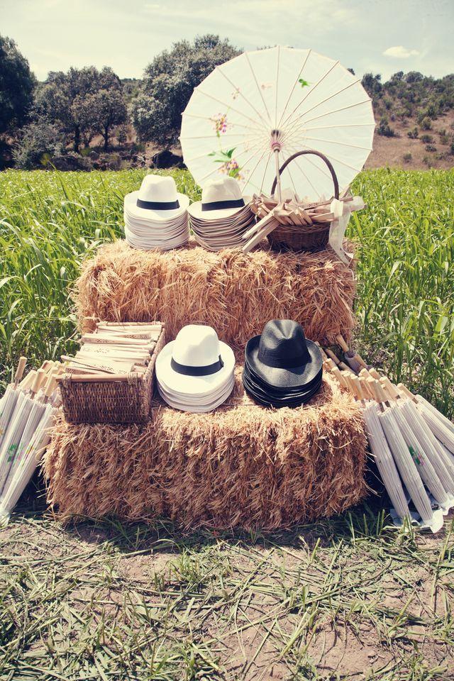 Le stand chapeaux 20 id es faciles et pas ch res pour for Bodas en el campo decoracion