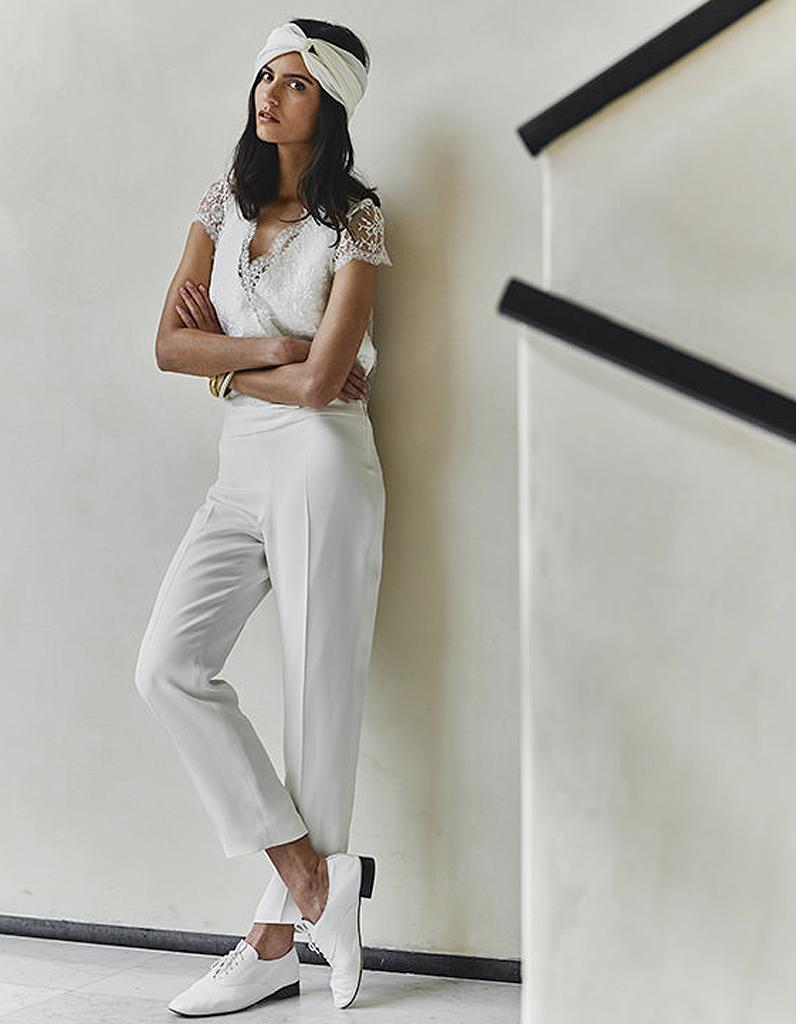 combinaison blanche 20 combinaisons de mariage pour moderniser la robe de mari e elle. Black Bedroom Furniture Sets. Home Design Ideas