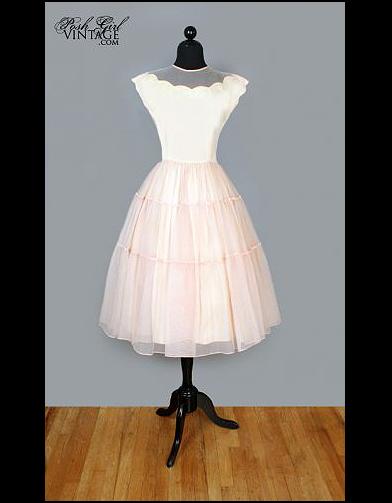robe de mari e vintage annees 50 100 robes de mari e pas comme les autres elle. Black Bedroom Furniture Sets. Home Design Ideas