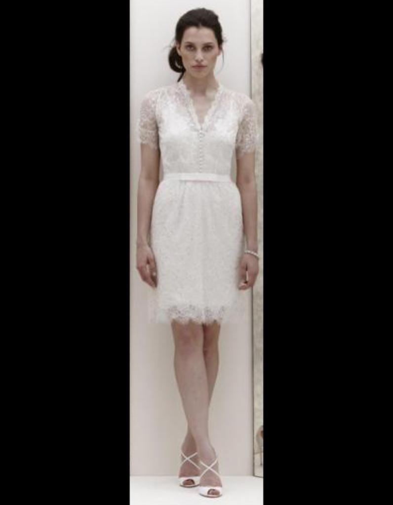Robe en dentelle jenny packham 50 robes de mari e qui for Jenny packham robe de mariage de saule
