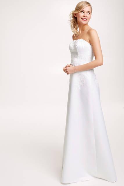 robe de mari e pas cher les plus belles robes de mari e. Black Bedroom Furniture Sets. Home Design Ideas