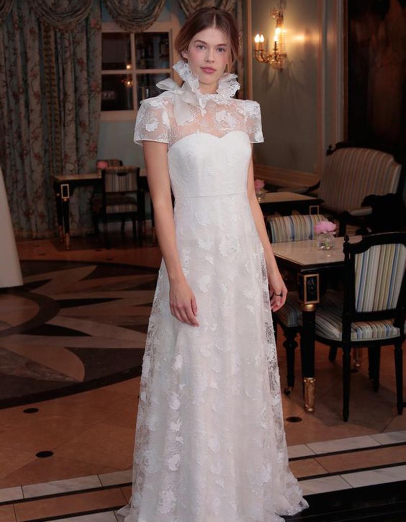Robe de mari e de princesse col haut 50 robes de mari e for Robes de mariage haut de gamme
