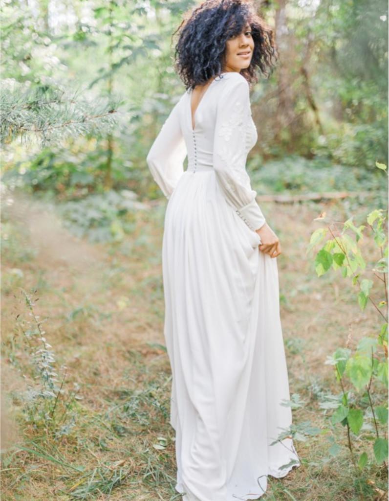 robe de mari e d 39 hiver manches longues 22 robes de mari e d hiver blouissantes elle. Black Bedroom Furniture Sets. Home Design Ideas