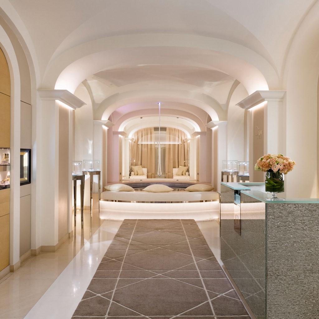 ellebeautyspot l 39 institut dior du plaza ath n e paris se renouvelle elle. Black Bedroom Furniture Sets. Home Design Ideas