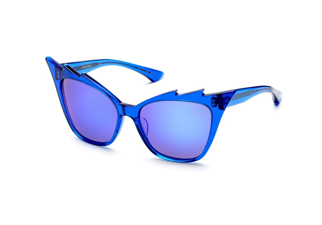 Lunettes de soleil effet miroir bleu dita 20 lunettes de for Lunette soleil verre bleu miroir
