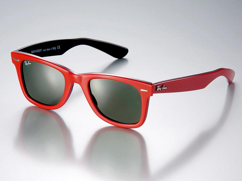 mode tendance guide shopping lunettes petit minois wayfarer rayban rouge lunettes de soleil. Black Bedroom Furniture Sets. Home Design Ideas