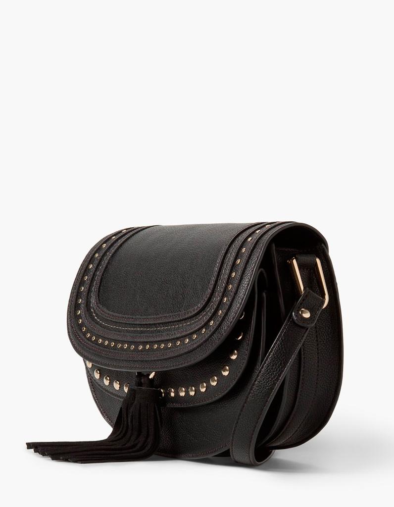 sac besace femme mango un sac besace pour tout ranger avec style elle. Black Bedroom Furniture Sets. Home Design Ideas