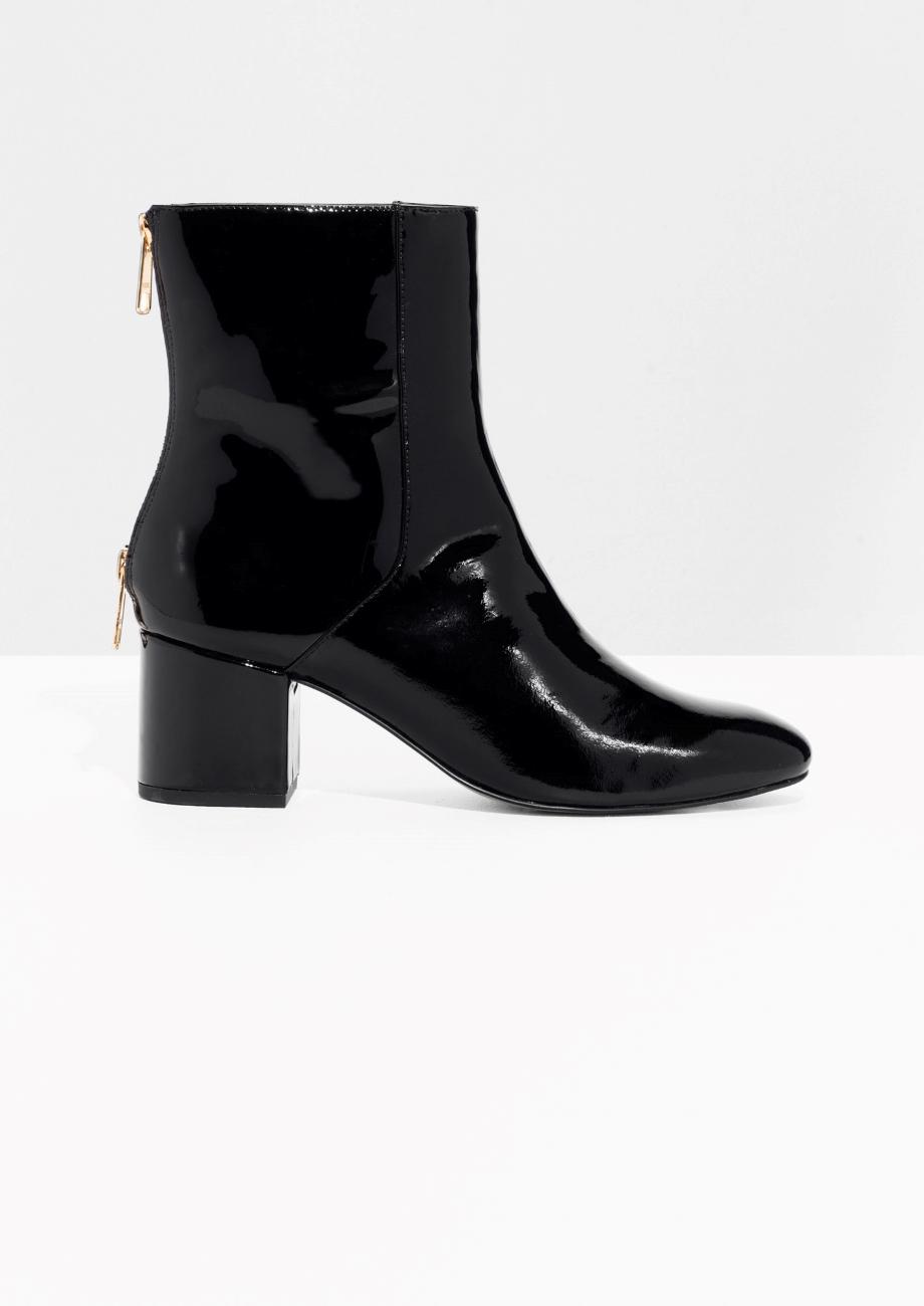 ankle boots other stories 15 paires d ankle boots pour mettre le monde nos pieds elle. Black Bedroom Furniture Sets. Home Design Ideas