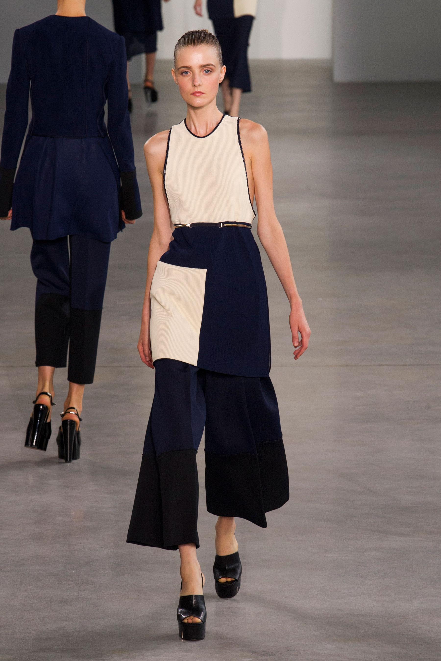la jupe culotte longue de calvin klein fashion week de new york tout ce qu 39 on a aim elle. Black Bedroom Furniture Sets. Home Design Ideas