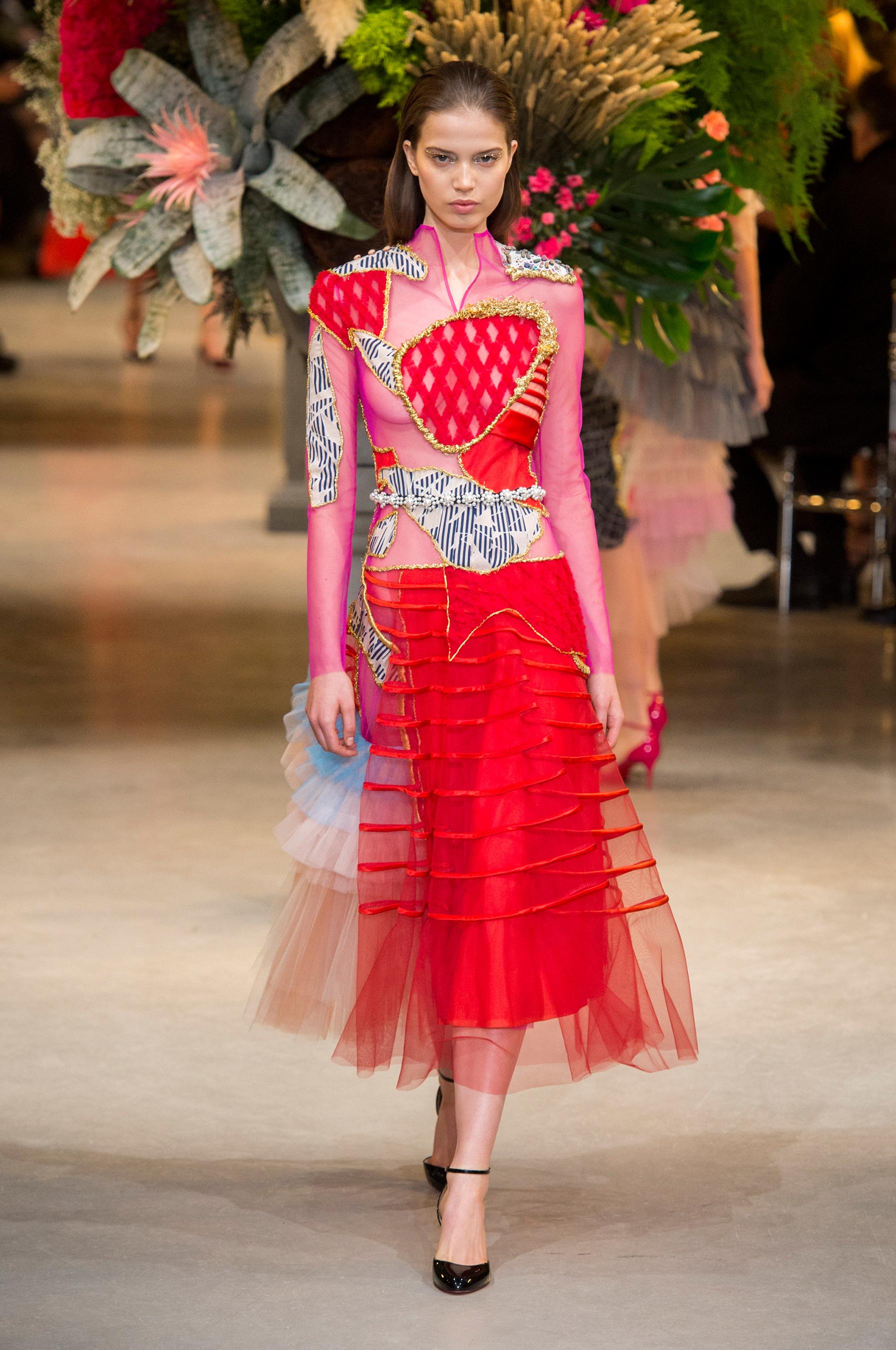 Tabliers Haute Couture : Défilé viktor rolf haute couture printemps été