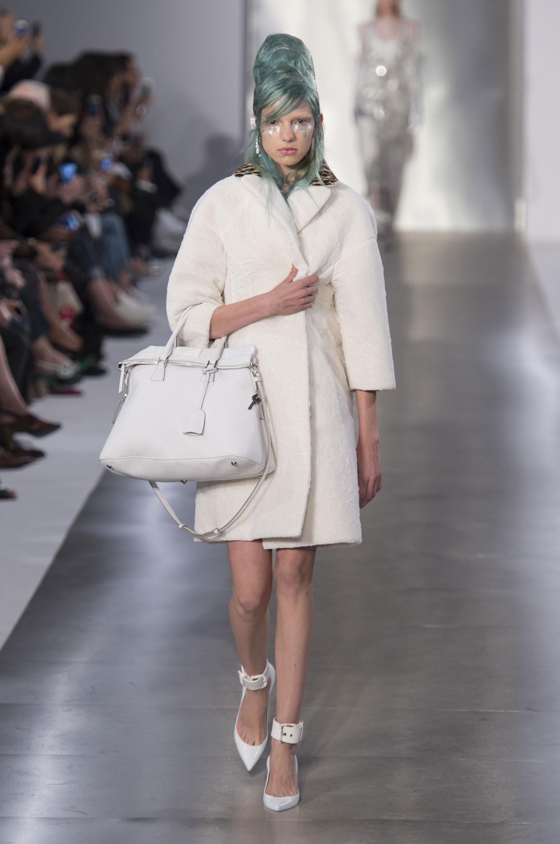 D fil maison margiela pr t porter printemps t 2016 for Maison de la mode paris