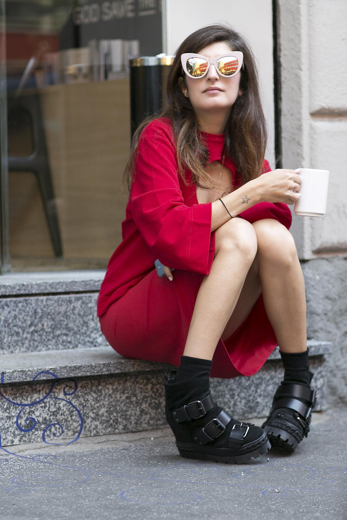 Comment porter des lunettes de soleil papillon street style 12 fa ons styl es de porter - Comment porter le keffieh ...