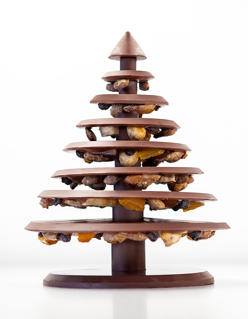 l arbre de no l au chocolat noir ou lait la manufacture de chocolat alain ducasse 22 sapins d. Black Bedroom Furniture Sets. Home Design Ideas