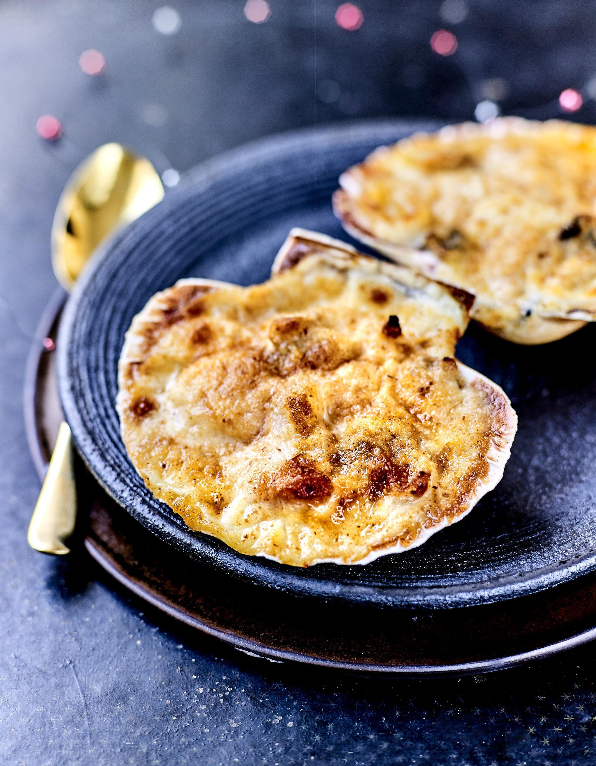 Saint jacques et ris de veau au champagne pour 4 personnes recettes elle - Comment cuisiner des ris de veau ...