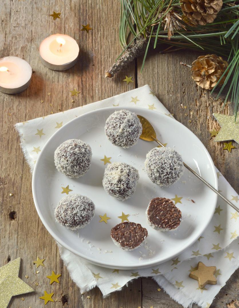 truffes vegan chocolat noix de coco pour 4 personnes recettes elle. Black Bedroom Furniture Sets. Home Design Ideas