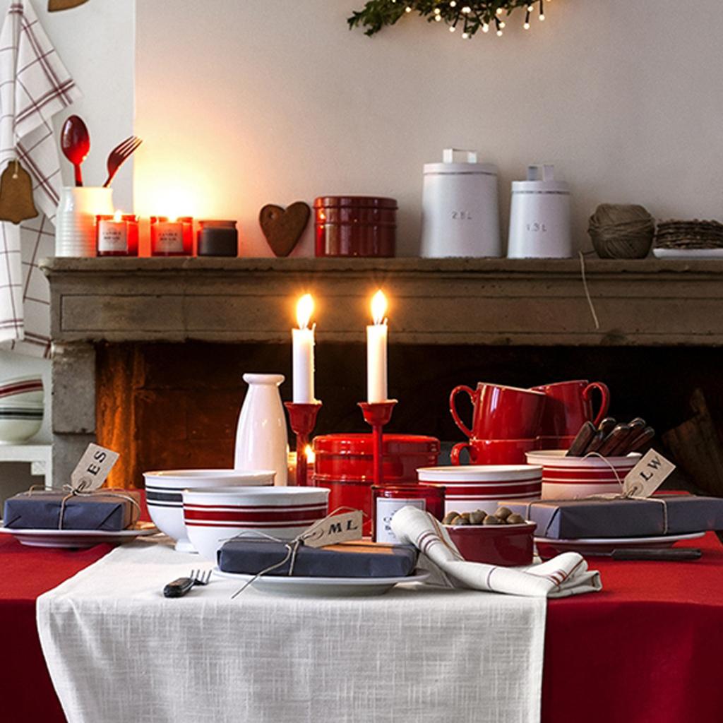 Des cadeaux pour chaque invit table de no l nos 43 - Decoration pour table de noel ...