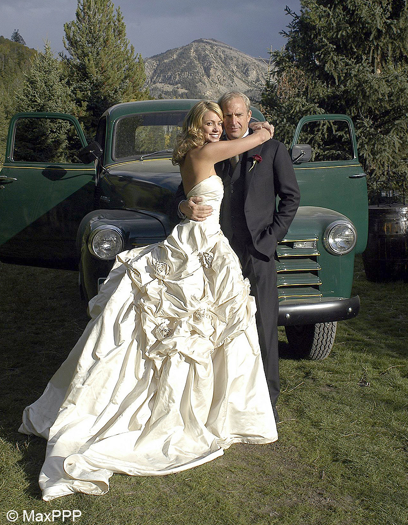 Le mariage de kevin costner et christine baumgartner les - Les photos de mariage ...