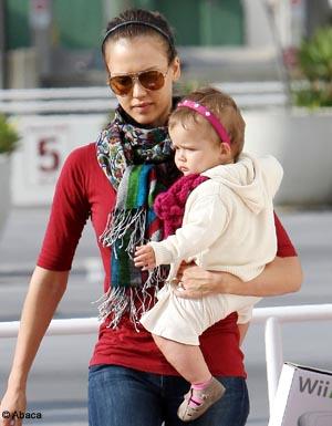 Jessica Alba et Gwyneth Paltrow : des mamans généreuses ...