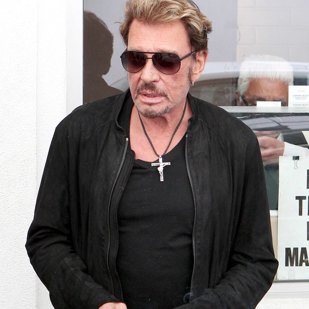 johnny hallyday ce bijou son effigie fait fureur elle. Black Bedroom Furniture Sets. Home Design Ideas