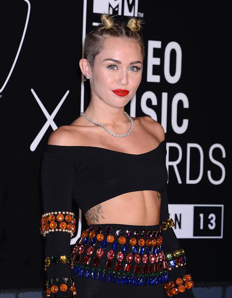 Miley Cyrus se débarrasse des affaires de Liam Hemsworth ...