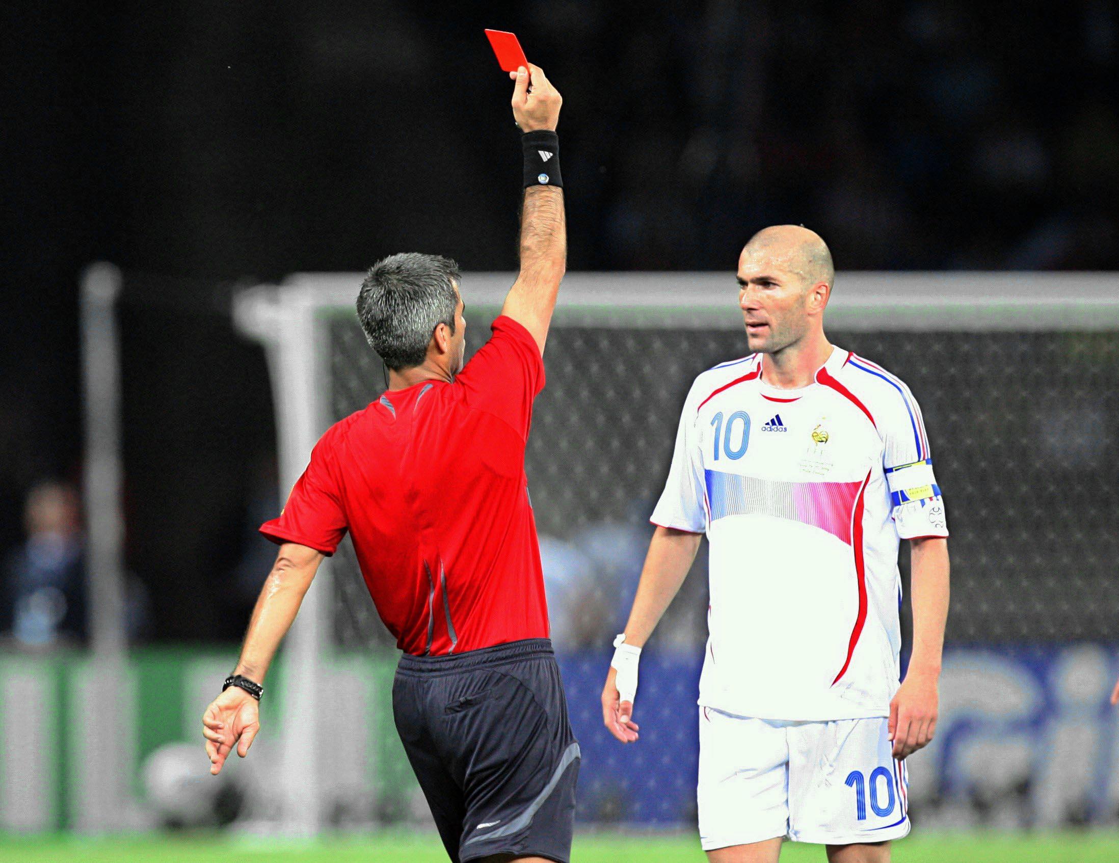 Le coup de boule de zidane les pires scandales du football elle - Coupe du monde de foot 2006 ...