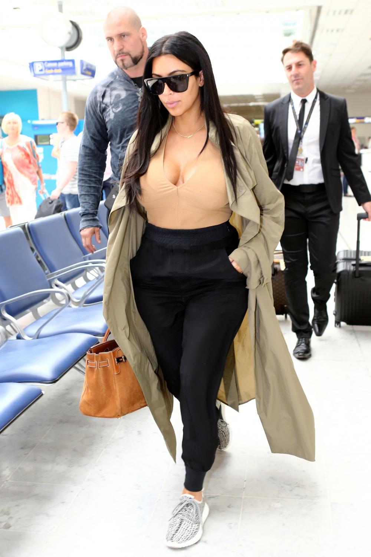 Le Look De Voyage Kim Kardashian Enceinte Ses Plus Beaux Looks De Grossesse Elle