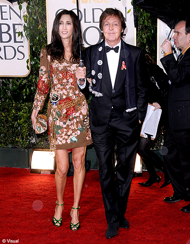 paul mccartney les stars d 39 hollywood aux golden globes 2010 elle. Black Bedroom Furniture Sets. Home Design Ideas