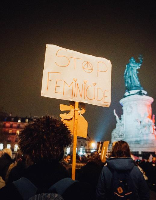 violences faites aux femmes le rassemblement parisien en dix clich s elle. Black Bedroom Furniture Sets. Home Design Ideas