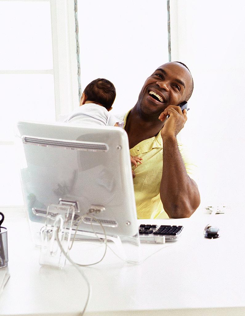 quand les parents se confient sur leur lieu de travail elle. Black Bedroom Furniture Sets. Home Design Ideas