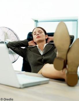 osez la sieste au bureau elle. Black Bedroom Furniture Sets. Home Design Ideas