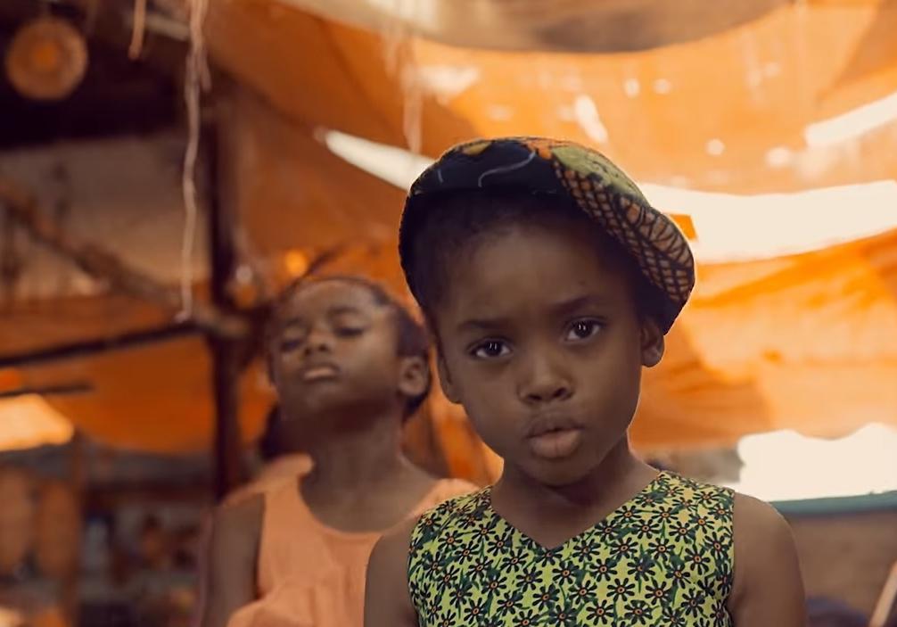 quand des petites filles du monde entier chantent freedom de beyonc on danse avec elles. Black Bedroom Furniture Sets. Home Design Ideas