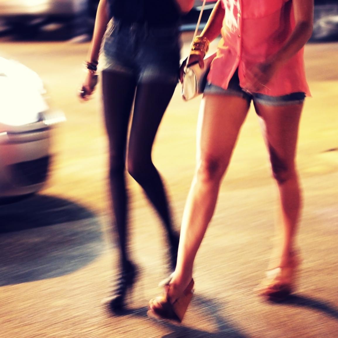 trois hommes condamn s pour avoir aid des ados se prostituer elle. Black Bedroom Furniture Sets. Home Design Ideas